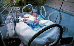 OPM_1_20_rodzaje-inkubatorow-noworodkowych-inkubator-zamkniety
