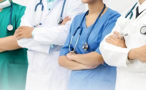 opm-zarzadzanie-pracownikami-ochrony-zdrowia-kryzys-wywolany-pandemia